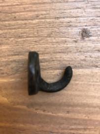 Klein haakje rond zwart 2 cm