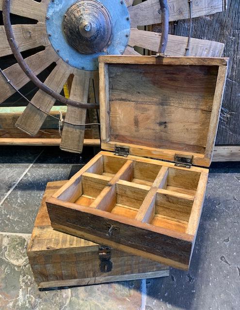 Oud houten theedoos
