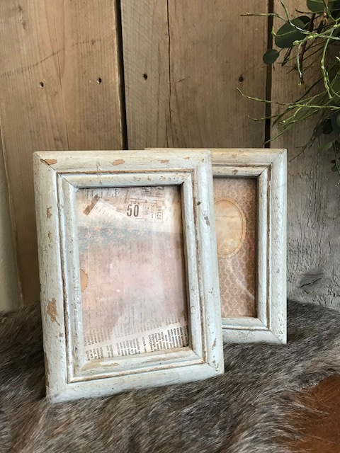 Oud houten lijstje old white