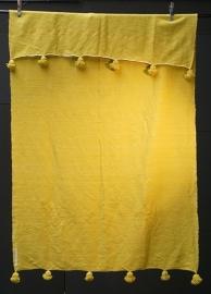 Geel wollen deken met gele pompoms 160:260