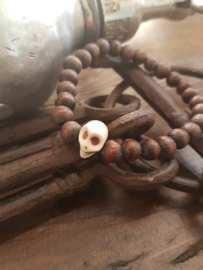 Bruine houten armband met skull