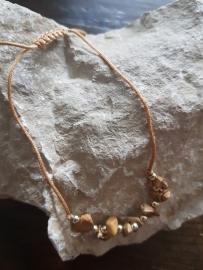 Verstelbaar armbandje goudbruin met natuursteen