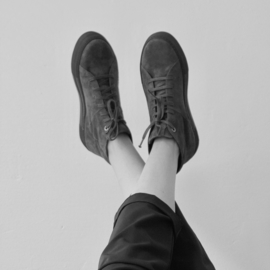 Bo hi top sneaker in 'Black' suede