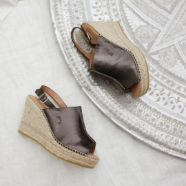 Lynn sleehak espadrille in metallic 'Fumo'