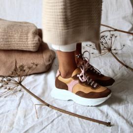 Dacey Chunky sneaker in 'Caramel'