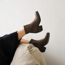 Donna enkel laarzen in 'Lizaro' nubuck
