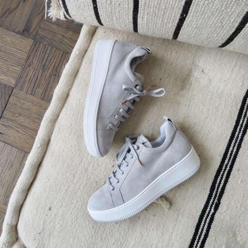 Velvet sneaker in 'Light Grey' suede