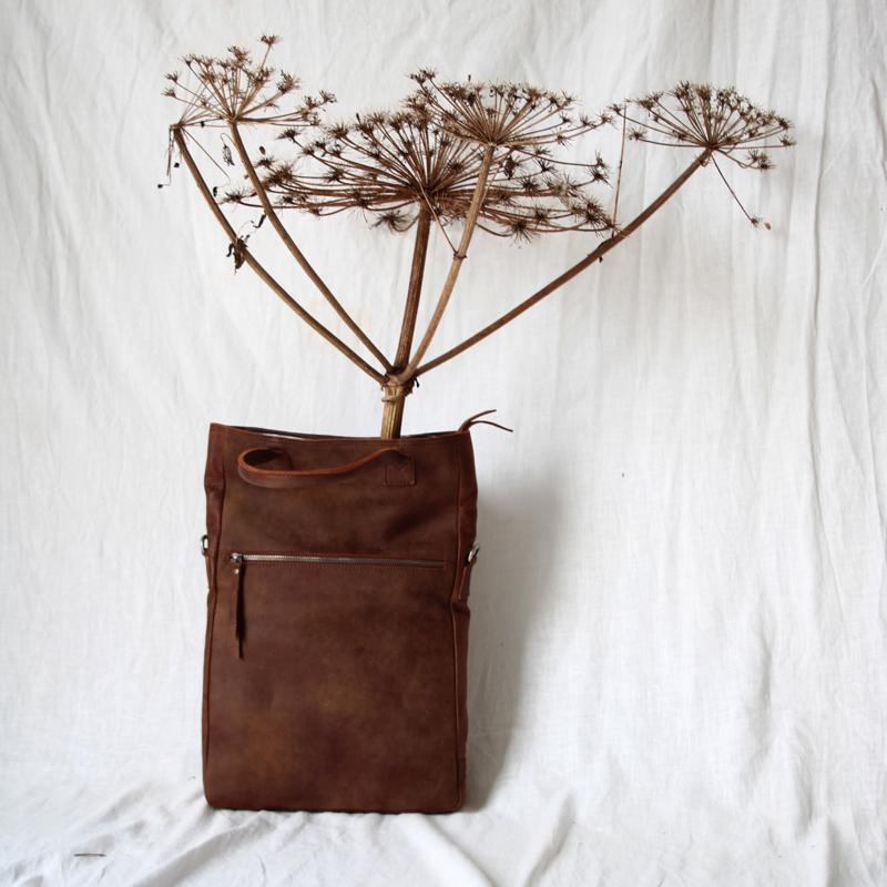 Zimra Shoulderbag L in 'Brown'