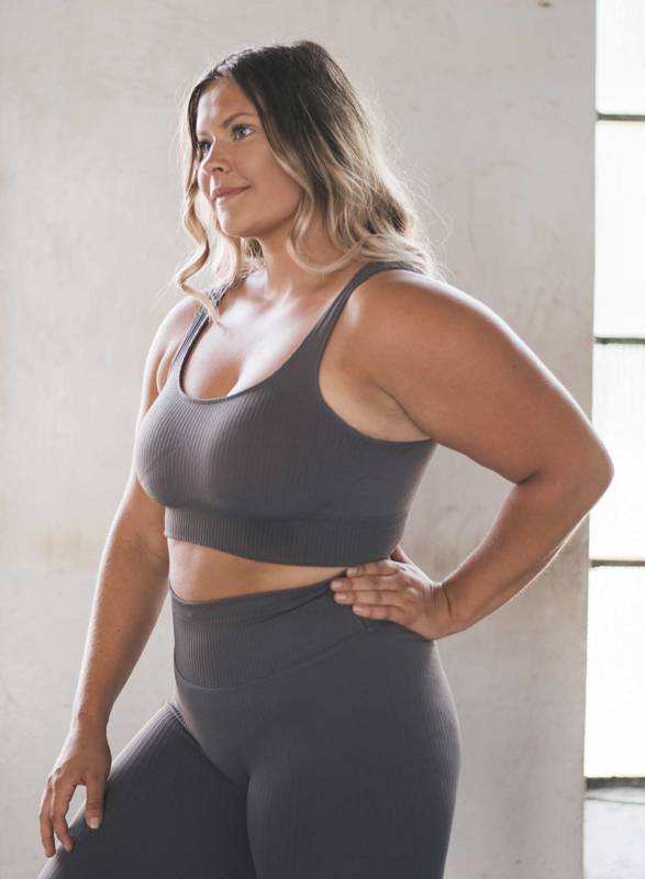 AIM'N SEAMLESS RIBBED BRA CONCRETE