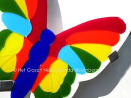 """""""vlakke"""" vlinder in kleuren van de regenboog"""