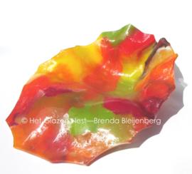 ruw glas sculptuur in herfst kleuren