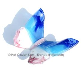 Blauw en roze vlinder