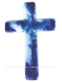 Kruis in blauwe glas