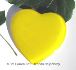 geel hartje van glaskunst