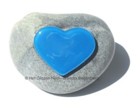 aqua blauw hartje op steentje