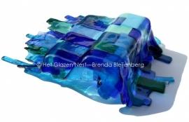 Liggende textielvorm in aquatinten