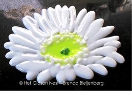 Margrietje als glas ornament