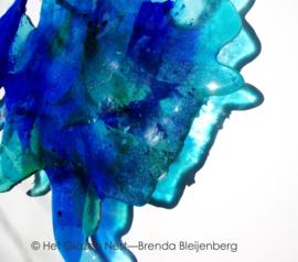 Abstract blauw tegen de muur