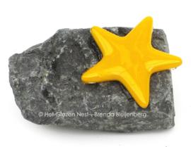 Kleine geel sterretje als mini urntje