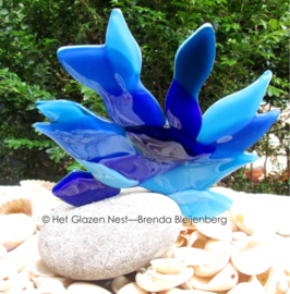 mini urn abstract mensfiguur in blauw