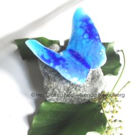 glaskunst vlinder in aqua blauwe tinten