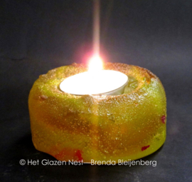 Waxinelichtje in geel glas casting