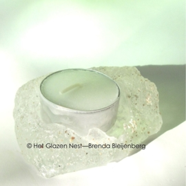 waxine lichtje in casting glas