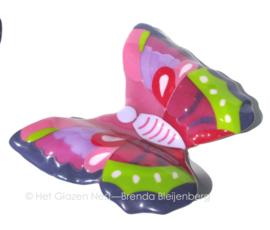 Grote vlinder in frisse roze, paars en groentinten