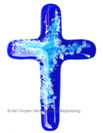 Klein glazen kruisje in blauw glas