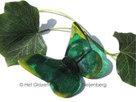 speelse groene vlinder