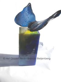 """Urn """"blauwe vlinder in gekleurde zuil"""""""