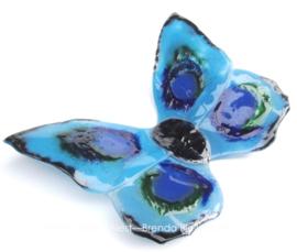 vlinder in aqua en zee groene kleuren