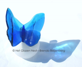Vlinder urn in blauwe kleuren