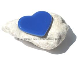 klein blauw hart op steentje