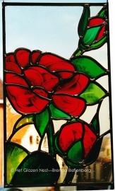 """Glas in lood raamhanger """"Rode rozen met knopje"""""""