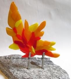 abstract figuur in oranje en geel