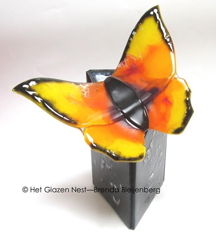 "Urn ""oranje vlinder"""