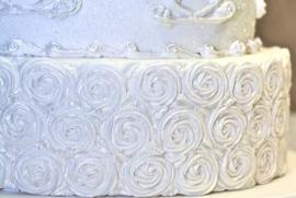 Piped swirl border ( Karen Davies)