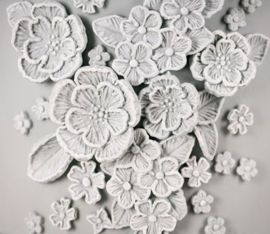 Brush Embroidery mold ( Karen Davies)
