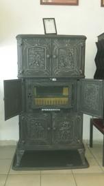 Nostalgische houtkachel met ovengedeelte