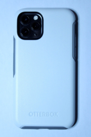 iPhone 11: Otterbox Symmetry (Wit)