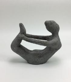 Yoga beeld grijs (rustic) aardewerk no. 9