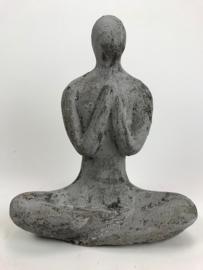 Yoga beeld grijs (rustic) aardewerk midden
