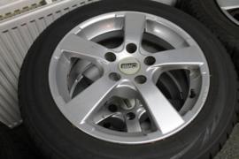 Winterbanden en velgen set Mazda 3 2009-2013