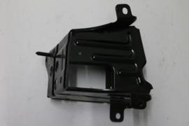Bumpersteun links voor Mazda 626 model vanaf 1987 G225-50-090A