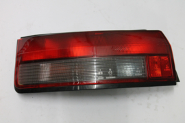 Achterlicht links Mazda 323 HB model 1989 8FB351160