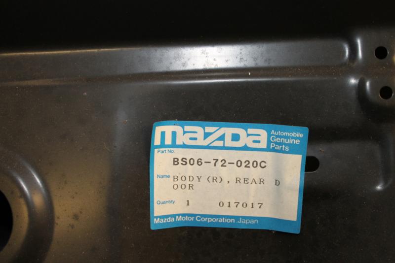 Achterportier Rechts achter Mazda 323 sedan model 1989