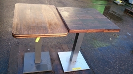 houten tafels met rvs poot