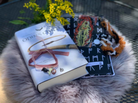 Mystery Boekenbox April- Fantasy with Norse Roots