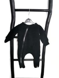 Zwart rib onesie
